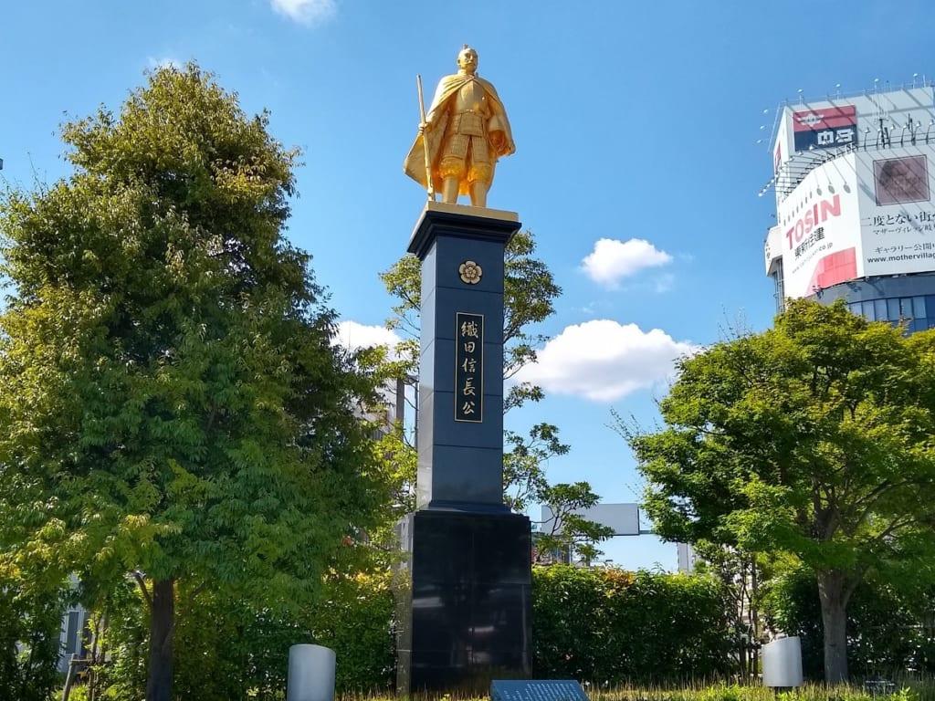 織田信長公の銅像