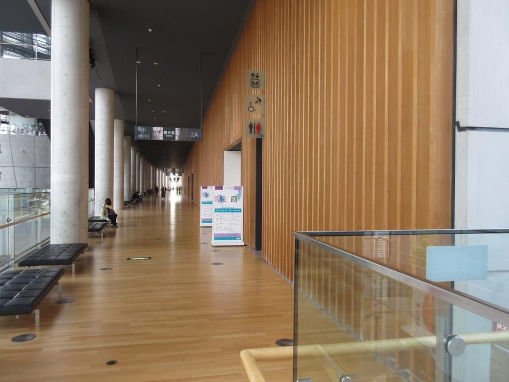国立新美術館2階