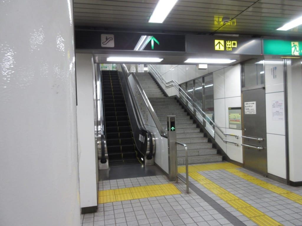 桜通線 桜山駅 ホーム